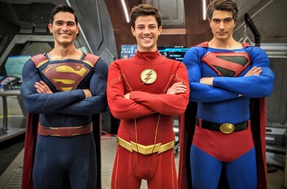 """The CW's """"Crisis On Infinite Earths"""" - Flash and Superman, men... mans?!?"""