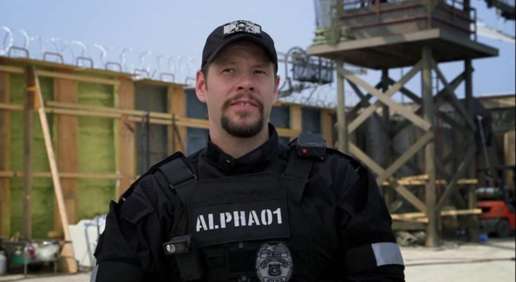 Ike Barinholtz as Griggs in Suicide Squad - Batman Podcast