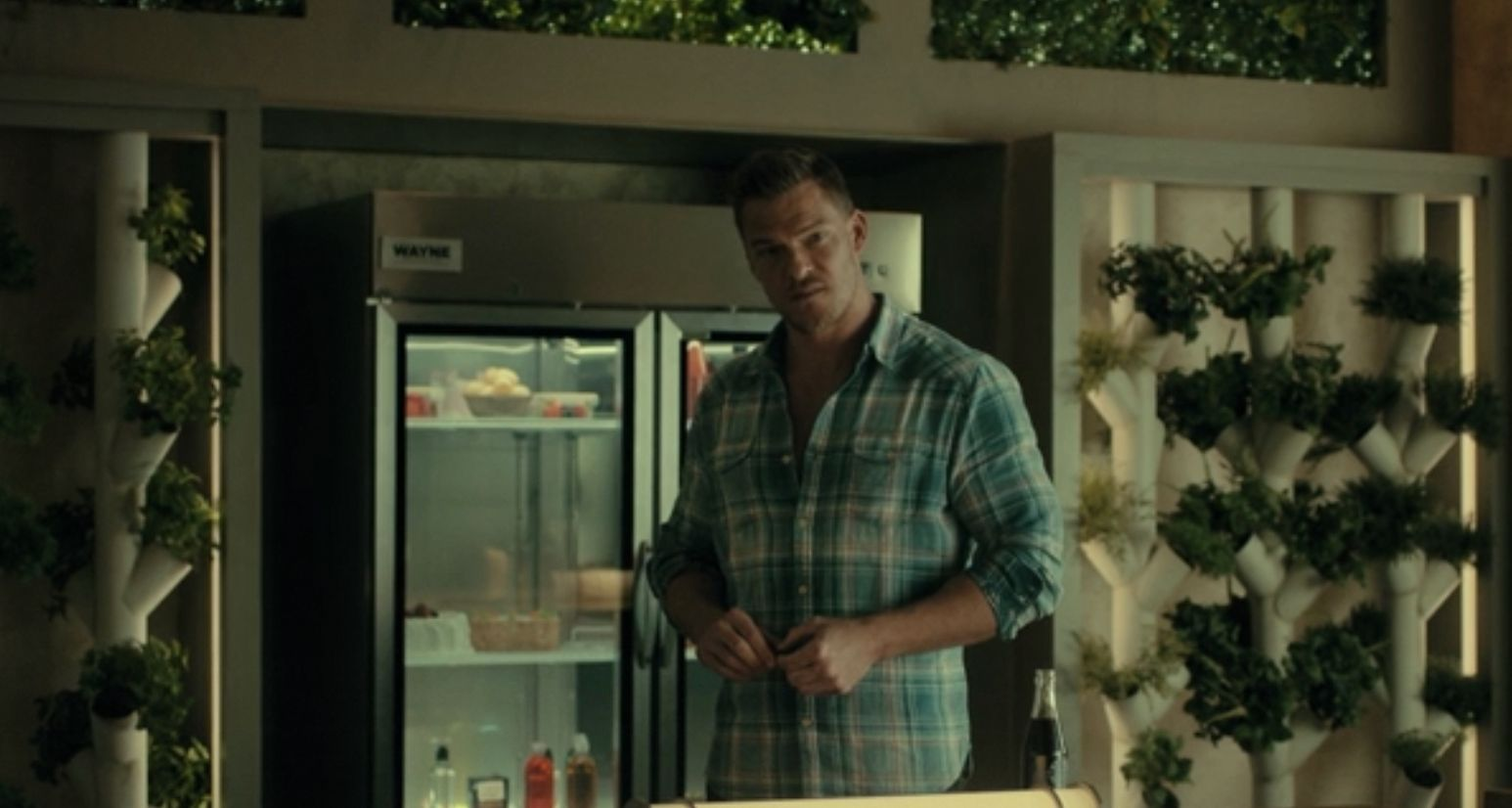 Hank Hall aka Hawk played by Alan Ritchson in Titans Season 3 Episode 3