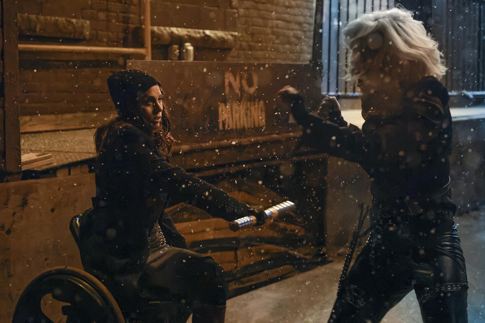 Savanna Wech and Kimbery Sue Murray in Titans Season 3 Episode 6