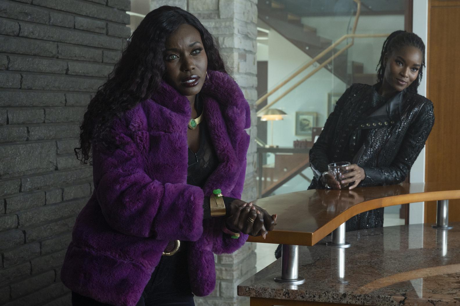 Anna Diop, Damaris Lewis in Titans Season 3 Episode 7